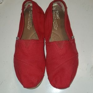 TOMS Classic Red Slip On Shoes sz 8